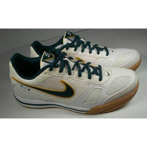 b70d864ba Nike Air Gato Mens Indoor Soccer Shoes